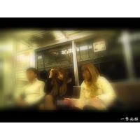 電車内のオヤジたちの視線を集めていた薄黒パンストギャルを観察2