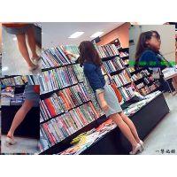 本屋で立ち読み中の長身ナチュストおねーさんを色々な角度で観察した