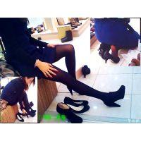 靴売り場の試し履き中おねーさんを見たくて歩き回ったら美人が居た