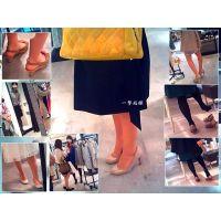 服屋で買い物中の普通のおねーさんたちの普通な足を観察しました