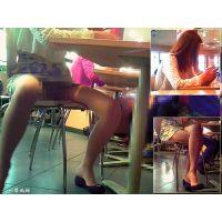 フードコートで韓○美人の美脚を眺めてたらまさかの大開脚股間全開!