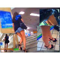 駅でショートパンツ生足美脚女子大生にロックオンして追跡し接写観察