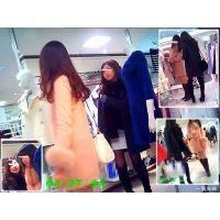 レディースファッションフロアを歩いていた美人2人組を追跡して観察