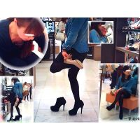 靴屋でプリケツの黒タイツ美脚を追跡しつつ店員さんの胸チラも楽しむ