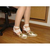 078サンダル画像 白サンダル 靴底土足系
