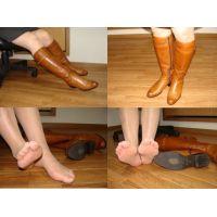 058ブーツ画像 ブーツとブーツを脱いだ脚 6/6