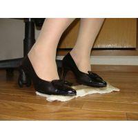 654パンプス画像 高価なりぼんパンプス 土足靴底系