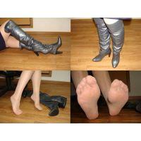 054ブーツ画像 ブーツとブーツを脱いだ脚2/6