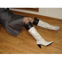 139ブーツ画像 白の本革ブーツ
