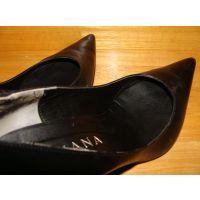 1063パンプス画像 ダイアナの本革プレーンパンプス 靴中