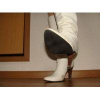 172ブーツ画像 ダイアナの本革白ロングブーツ