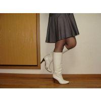 138ブーツ画像 ダイアナの本革白ブーツ