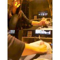 慣れた手つきでチンポをシコシコする激カワ素人娘(スマホ可・フルHD動画)
