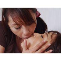 顔舐めマッサージ〜郁美が悠の顔を舐める