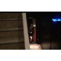 カラオケ屋の階段で見かけた美女追っかけ2
