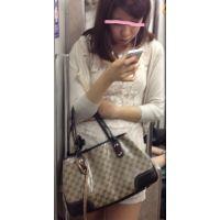 地下鉄で見かけた超美脚超美女接写(顔出し)