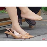 奇跡的に見かける、女性が靴脱ぎしている匂い立つ、夢のような風景 No.16〜No.20  5作品セット