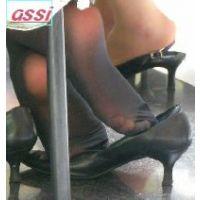 奇跡的に見かける、女性が靴脱ぎしている匂い立つ、夢のような風景NO.33