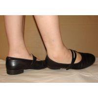 Marianne 068 ストラップ靴 裸足で
