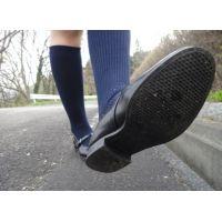 HARUTAのストラップ靴2_005 紺ハイソで