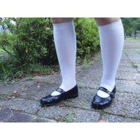moonstarのストラップ靴_015 草踏み画像