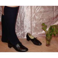 ヒール革靴017 レトロな感じの靴