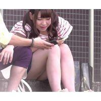ミニスカなのに座ってちらちら女の子〜動画〜