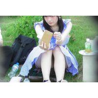 風が強くてスカートまくれまくり座りちら〜動画〜