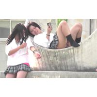 放課後に公園でくつろぐミニスカの女の子〜動画〜