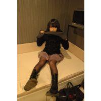 19歳音大生のブーツで熟成された黒ストとナマ足