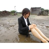 屋外泥んこMESSY3(黒1ボタンリクルートスーツ)