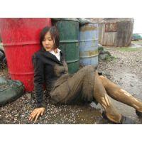屋外泥んこMESSY3(濃紺3ボタンリクルートスーツ)