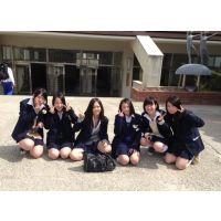女子高生のおバカ写真。