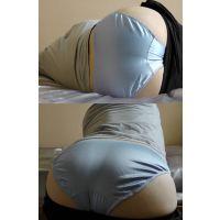 同僚美形OLの柔らかい色白美巨尻にしっかりと吸い付く水色の光沢パンティー