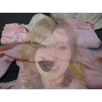 【携帯販売員】知り合いの奥さんが仕事中に履いて汚したパンティー【おまけ動画付き】