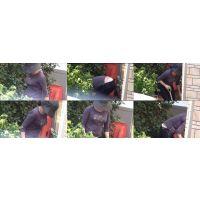 【前編】近所の童顔爆乳奥さんは庭のお手入れで爆乳ユッサユッサ...腰からパンティー!!