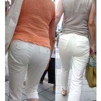 白パンの下に履いたショートガードルがしっかりと透ける綺麗な奥様たち...