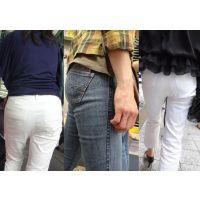 ショートガードルに巨尻を包み込んでそのラインも丸出しにしてしまう奥様たち...