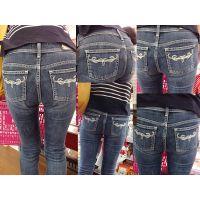 【買い物主婦】ママの美尻にぴったりと張り付いた香りしそうなジーンズ