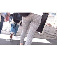 【高画質新シリーズ】レギンスで街を闊歩する羞恥心無しの女子大生 Part1