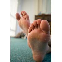 JAGA's 足神からの贈物 あしうら写真集 白石みお 21歳 私服 + パンスト + 生足裏