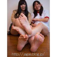 JAGA's Wあしうら写真集 ななみ&ゆうな 女子校生制服 + 体操着 + 赤ブルマ + 生足裏