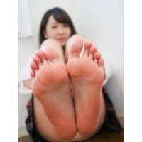 JAGA's 足神からの贈物 あしうら写真集 涼南佳奈ちゃん 制服+生の足裏