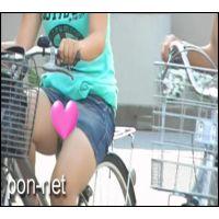 【追跡】自転車で見えちゃったデニミニ娘�