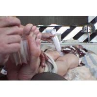 未公開 足の裏くすぐりDVD撮影中に電マあててみました。【杏奈】