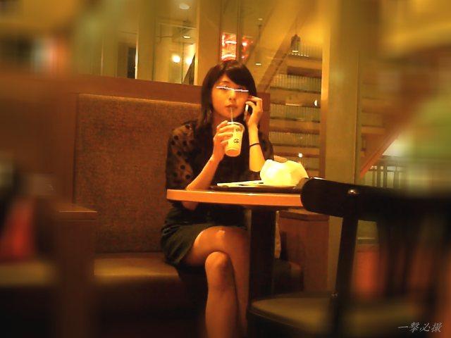 カフェでお茶してた子が可愛くてタイプだったので一部始終を観察した
