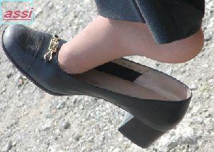 最新作!奇跡的に見かける、女性が靴脱ぎしている匂い立つ、夢のような風景NO.45