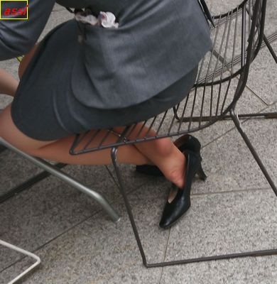 最新作!奇跡的に見かける、女性が靴脱ぎしている匂い立つ、夢のような風景NO.53