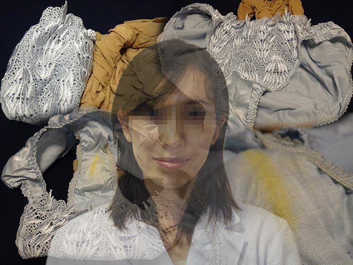 【薬剤師】友達の才色兼備の奥さんが仕事中に履いて汚したパンティー【おまけ動画付き】